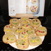 Smiley Happy New Year cookies