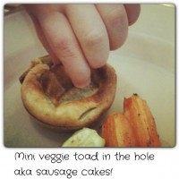 Mini (veggie) toad in the hole, aka sausage cakes – #eggmainsinminutes